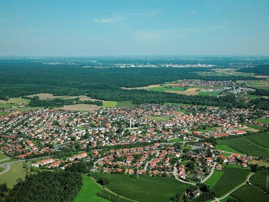 Luftbild Gemeinde_Emmerting 2009